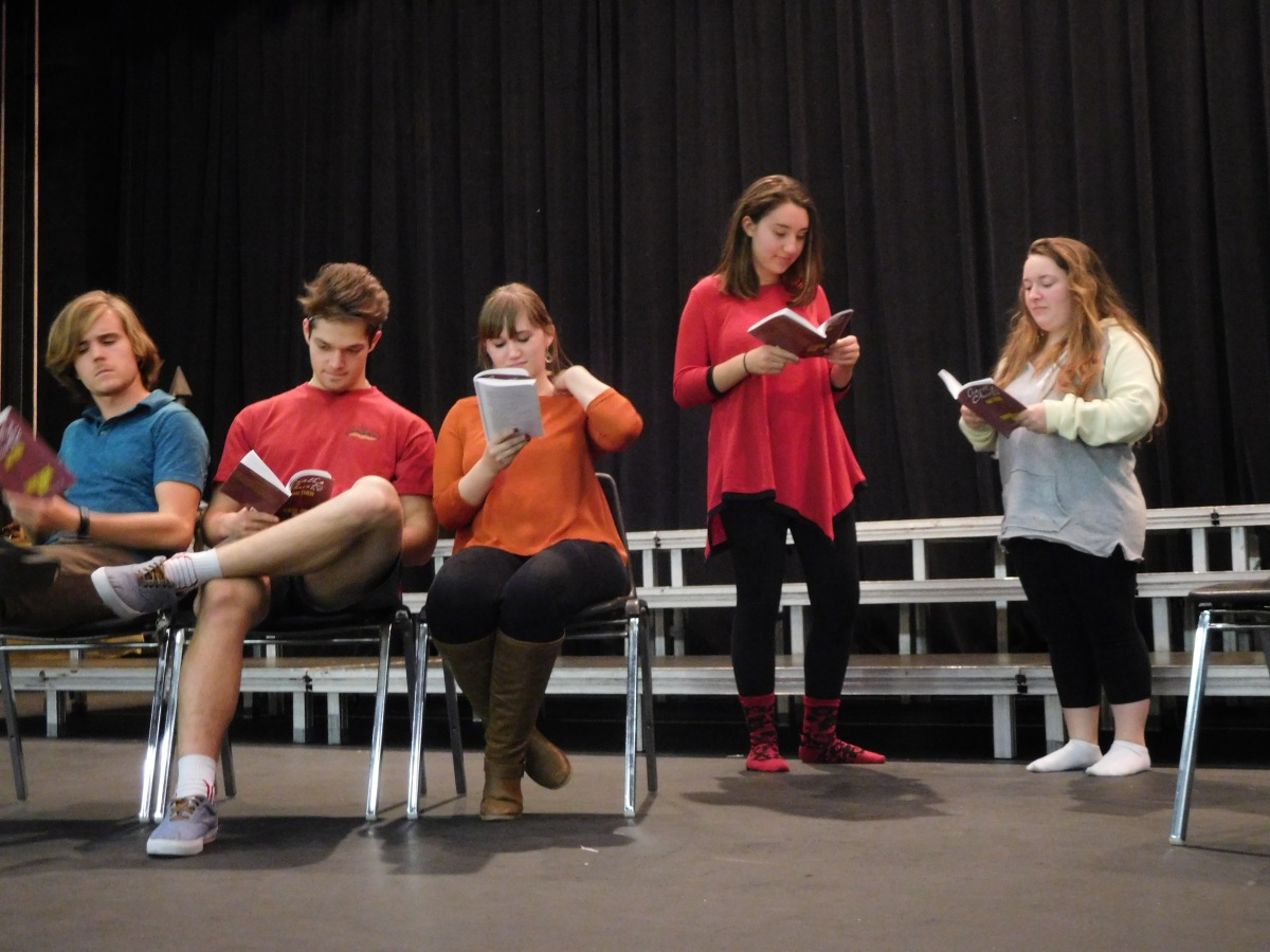 "SHS students bring ""And Then There Were None"" to the stage"